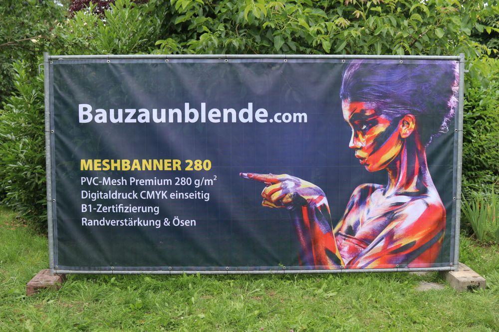 bauzaunblende-bedruckt-meshbanner-280-als-bauzaunbanner