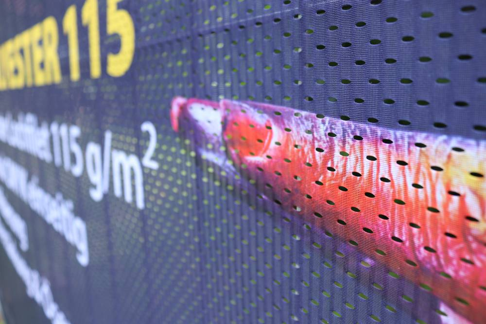 Bauzaunblende-meshpolyester-bannerdruck-auf-bauzaunblende